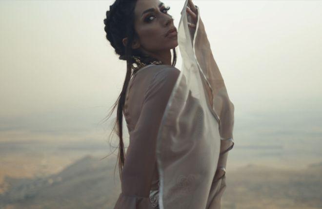 DRAMA na granici sa Sirijom! Pevačica tokom snimanja spota završila u ratnoj zoni! Jedva izvukla živu glavu! (VIDEO) (FOTO)