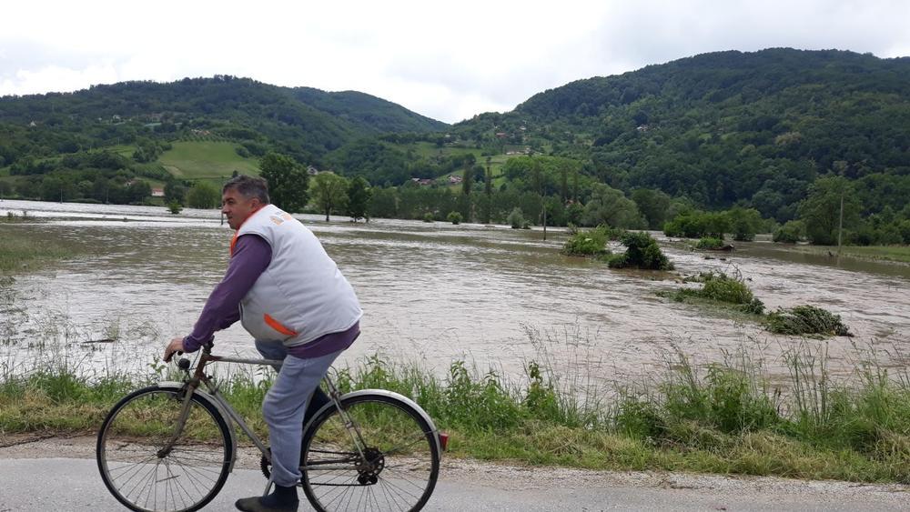 DRAMATIČNO UPOZORENJE RHMZ: Velika opasnost od poplava u narednih 48 sati! PRETE BUJICE NA 8 REKA