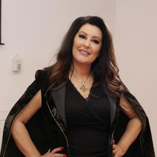 DRASTIČNO SMRŠALA: Dragana Mirković u zavodljivom kombinezonu u Dubaiju pokazala SAVRŠENU LINIJU