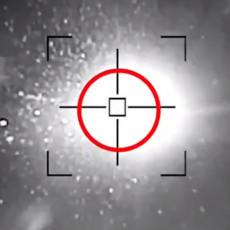 DRONOVI HUTA NAVIRU KAO MUŠICE: Saudijski PVO radi bez prestanka, nebo ne prestaje da svetli (VIDEO)