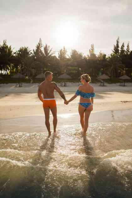 DRSKOST BEZ GRANICA Glume ZALJUBLJENI PAR na plaži, a čim im okrenete leđa, uzmu vam SVE ŠTO IMATE