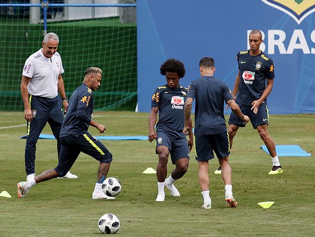 Da li je selektor Brazila i javno pogurao Nejmarov transfer?