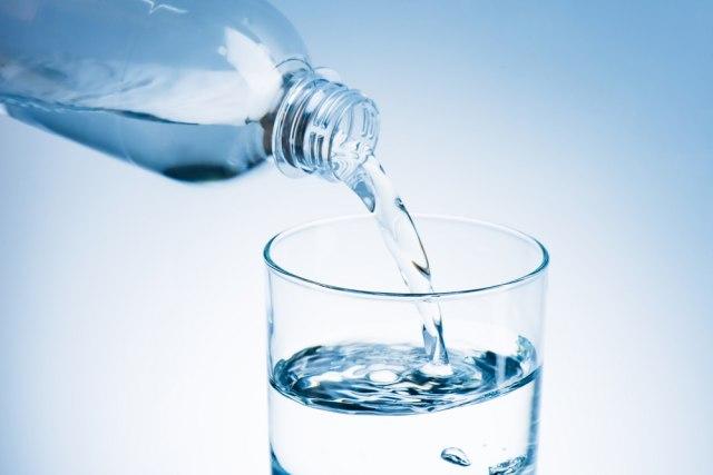 Da li prekomerna hidratacija može da utiče na mentalno zdravlje?