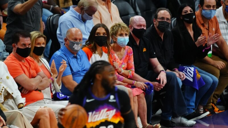 Da li vakcinisani treba da nose masku zbog rasta broja zaraženih Kovidom?