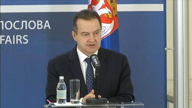 Dačić: Srpski državljani iz Vuhana vraćaju se francuskim avionom