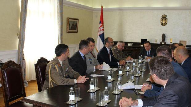 Dačić  sa predsedavajućim Vojnom komitetu EU generalom Klaudijem Gracijanom