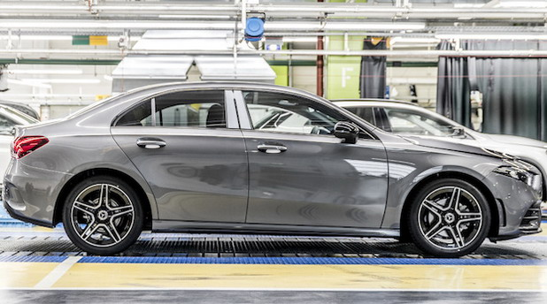 Daimler zbog nestašice čipova ponovo skraćuje radno vreme, Stellantis se vraća analognim brzinomerima