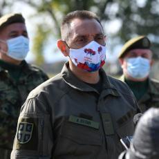 Dali ste ogroman doprinos tokom borbe protiv Kovida-19 Ministar Vulin obišao Drugu brigadu kopnene vojske (FOTO/VIDEO)