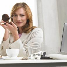 Dame: Otkrivamo pravilan redosled nanošenja šminke