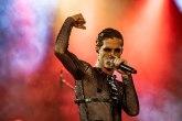 Damijano David sa bisernom ogrlicom: Pola miliona lajkova za sat vremena FOTO