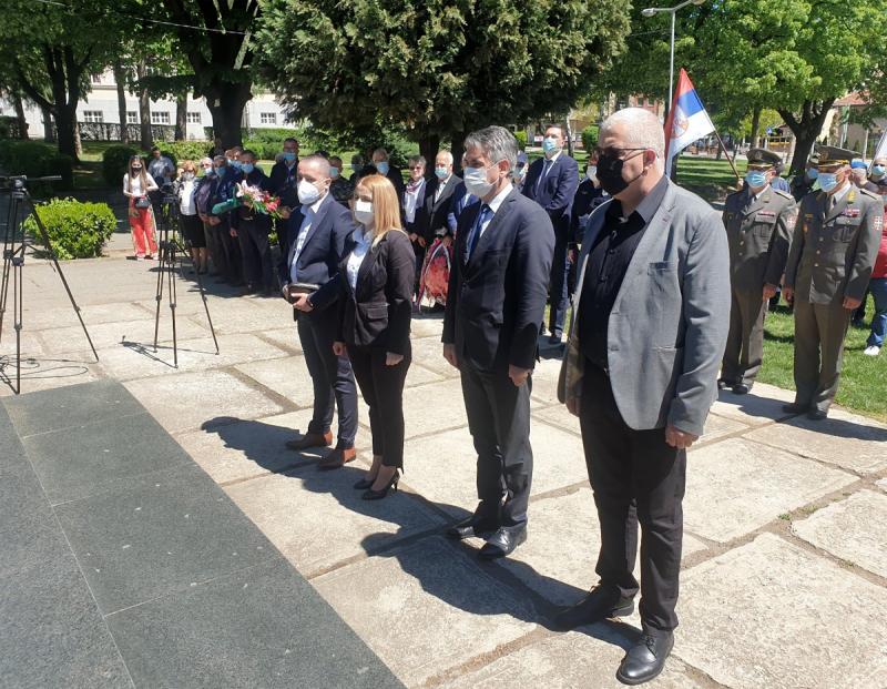 Dan pobede nad fašizmom: Sećamo se oslobodilaca Vranja i pominjemo ih sa PIJETETOM