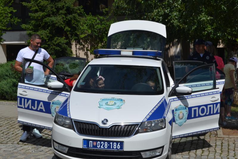 Dan policije u Vranju: Mališani  najbrojniji postioci (FOTO)
