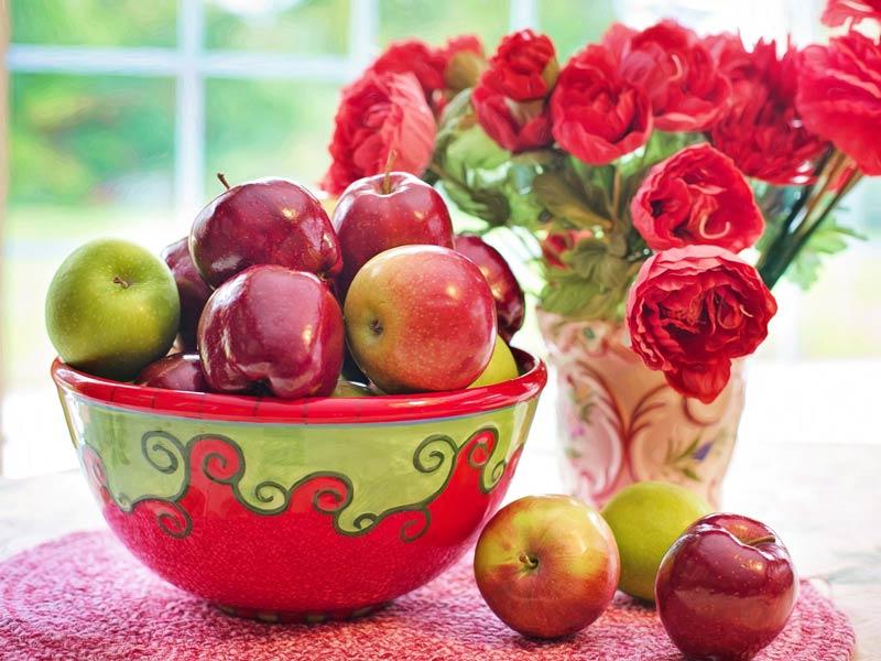 Danas je Petrovdan! Veruje se da jabuke ne treba seći nožem! (VIDEO)