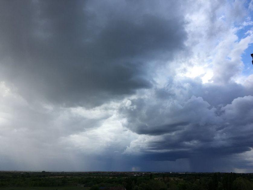 Danas naoblačenje, vetar, povremeno kiša, osetno hladnije