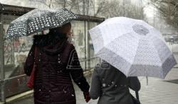 Danas oblačno, kratkotrajna susnežica, na severu kiša