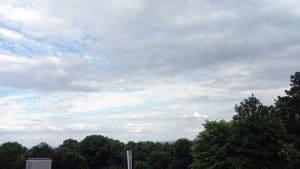 Danas promenljivo oblačno i malo svežije vreme sa kišom mestimično