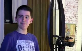 Dečak sa autizmom oduševljava profesore Umetničke škole