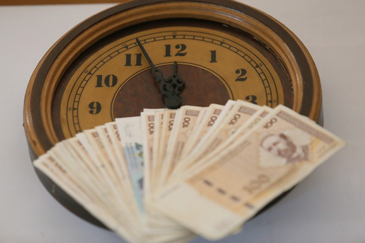 Decembarska prosječna plata od 939 KM