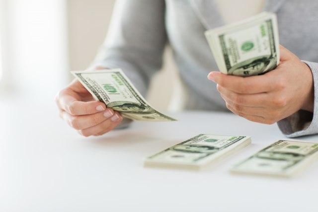 Decenijski rekord: Američki građani duguju 14 biliona dolara