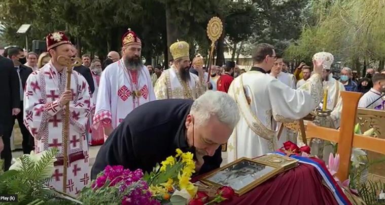 Delegacija Vlade Crne Gore prisustvovala sahrani episkopa Atanasija u Trebinju