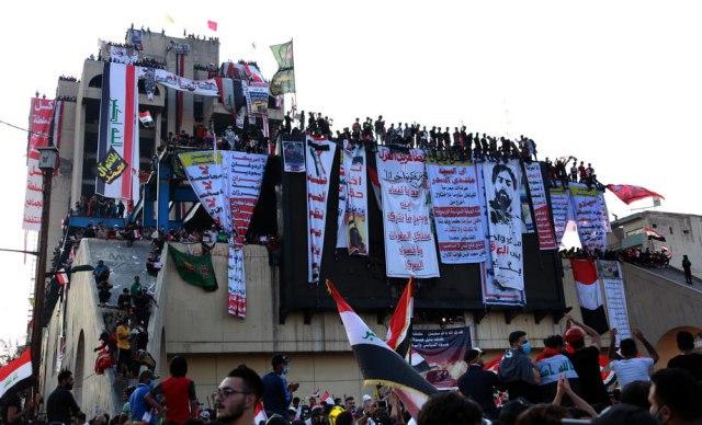 Demonstranti i policajac poginuli u sukobima u Bagdadu