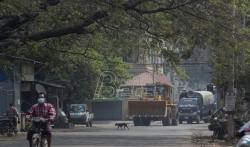 Demonstranti u Mjanmaru prekršili policijski čas u podršku opkoljenim studentima