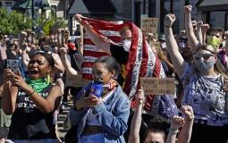 Demonstranti u SAD traže reformu policije i obračun sa rasizmom