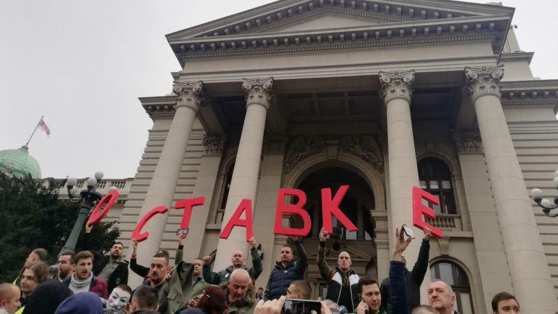 Deo opozicije u Srbiji nastavlja bojkot institucija