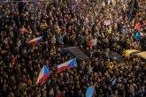 Desetine hiljada Čeha na protestu u Pragu