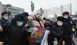 Oko 850 ljudi uhapšeno u Rusiji na demonstracijama za opozicionara Navaljnog