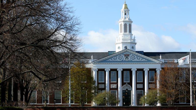 Desetine univerziteta tuži Trampa zbog odluke da strani studenti napuste SAD