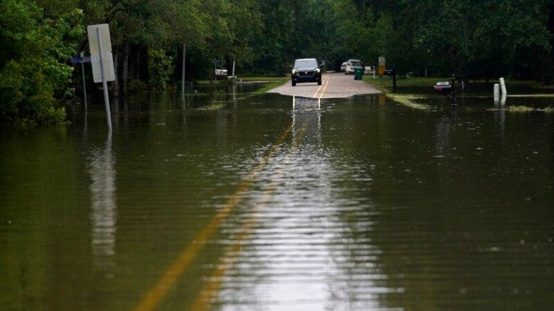 Nevreme u SAD: 14 žrtava oluje Klodet, predgrađe Čikaga pogodio tornado