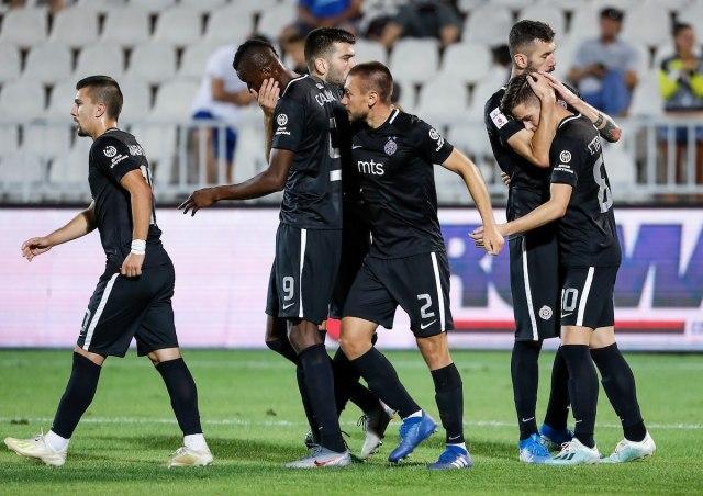 Desni bek se vratio u Partizan