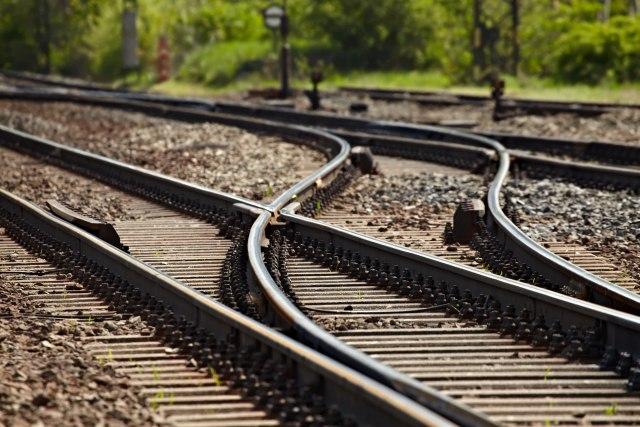 Dimitrovgrad: Tečni naftni gas procurio iz vagona na stanici