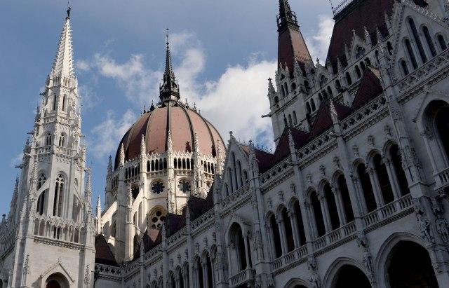Dimna bomba u mađarskom parlamentu