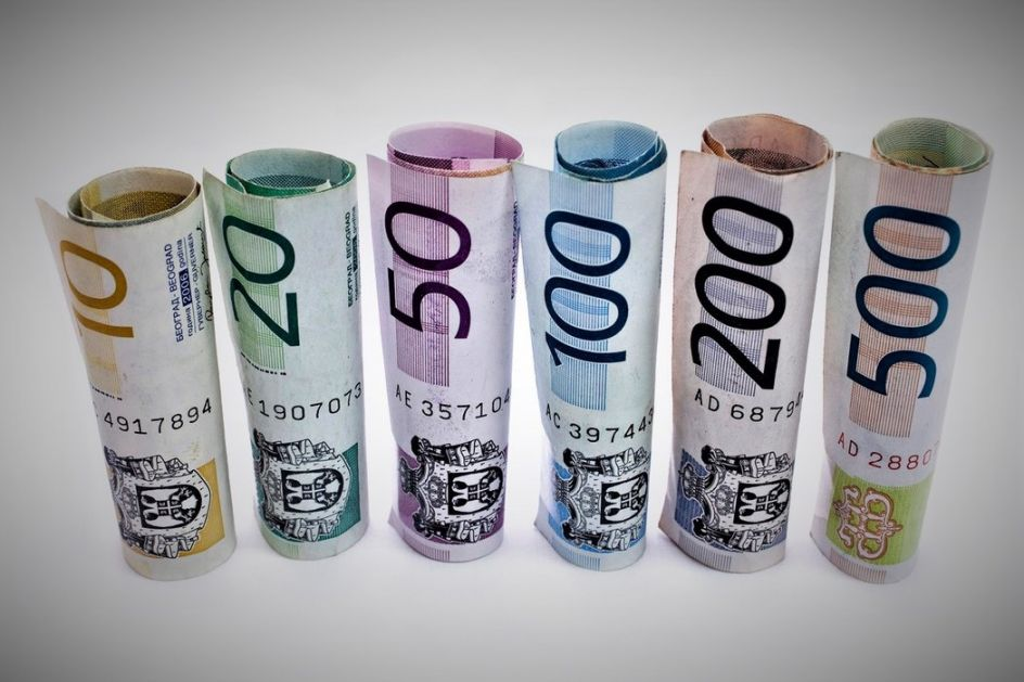 Dinar bez promene, kurs 117,5804