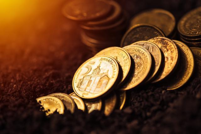 Dinar zadržava vrednost, kurs1 18,192