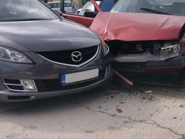 Direktan sudar u Čačku: Ušao u kružni tok u suprotnom smeru FOTO