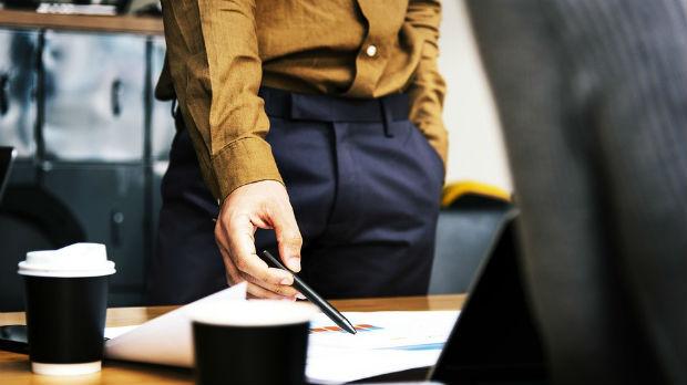 Direktori javnih preduzeća pred izborom: ili fotelja ili kampanja