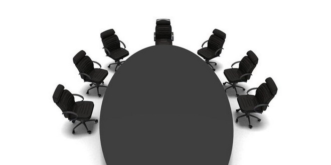 Direktori ostaju bez fotelja ako promovišu stranke