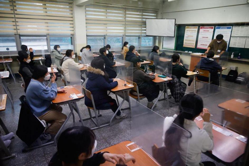 ĐACI U JUŽNOJ KOREJI POLAŽU PRIJEMNI ISPIT ZA FAKULTET: Preduzete mere zbog korone, zaraženi učenici radili test u bolnicama