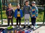 Đaci trećeg razreda OŠ Njegoš prodajom svojih rukotvorina prikupljali novac za lečenje Gavrila