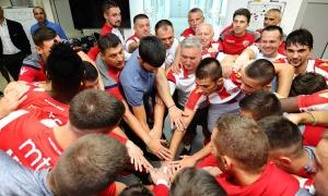 Đoković oduševio delije: Teniser bodrio voljeni tim na meču protiv Radnika (FOTO)