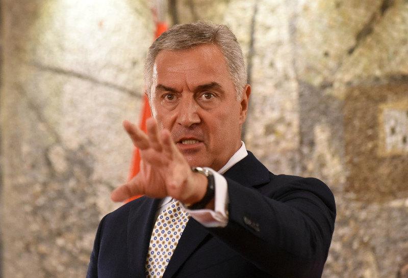 Đukanović ne da saglasnost vladi za predložene ambasadore