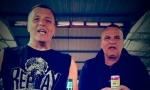 Đule i Srba iz Van Goga proslavili kraj vanrednog stanja: Kumovi pivom nazdravili na pijaci (VIDEO)
