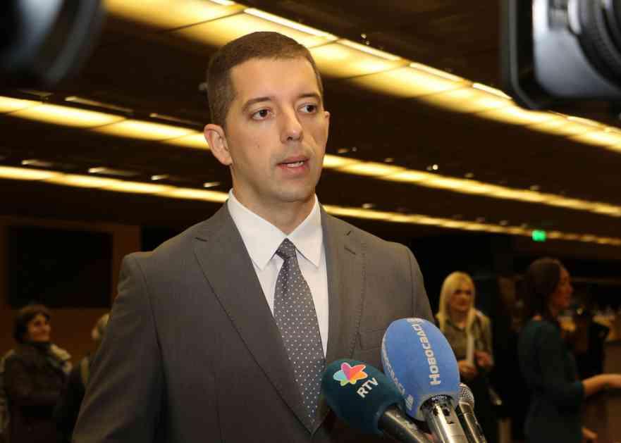 Đurić: Albanci znaju koja je to linija posle koje nema nazad