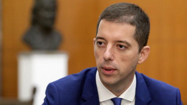 Đurić: Namera Kurtija je da militarizuje Albance