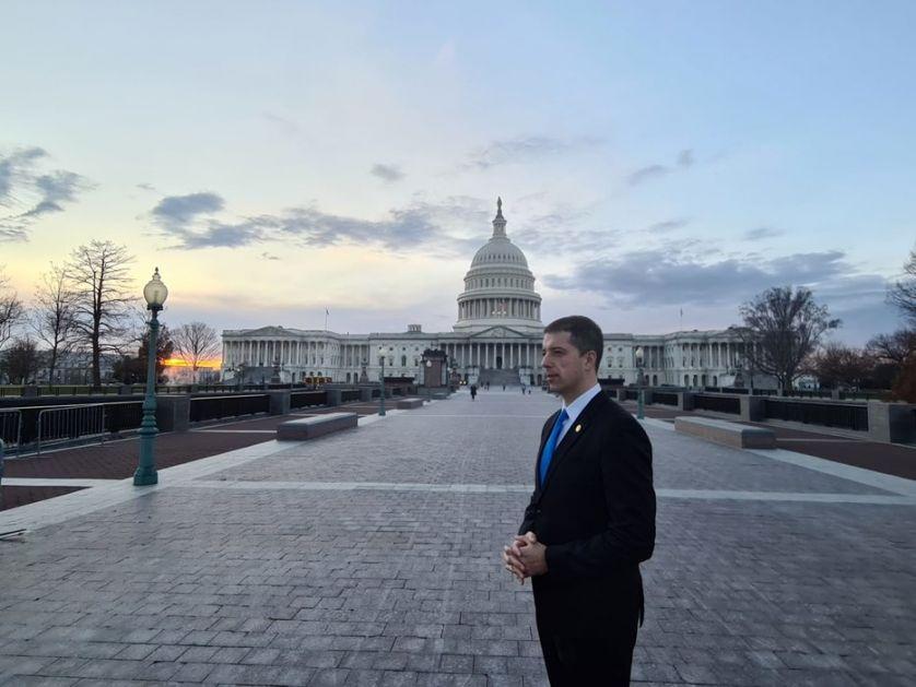 Đurić položio venac na Memorijal Drugog svetskog rata u Vašingtonu