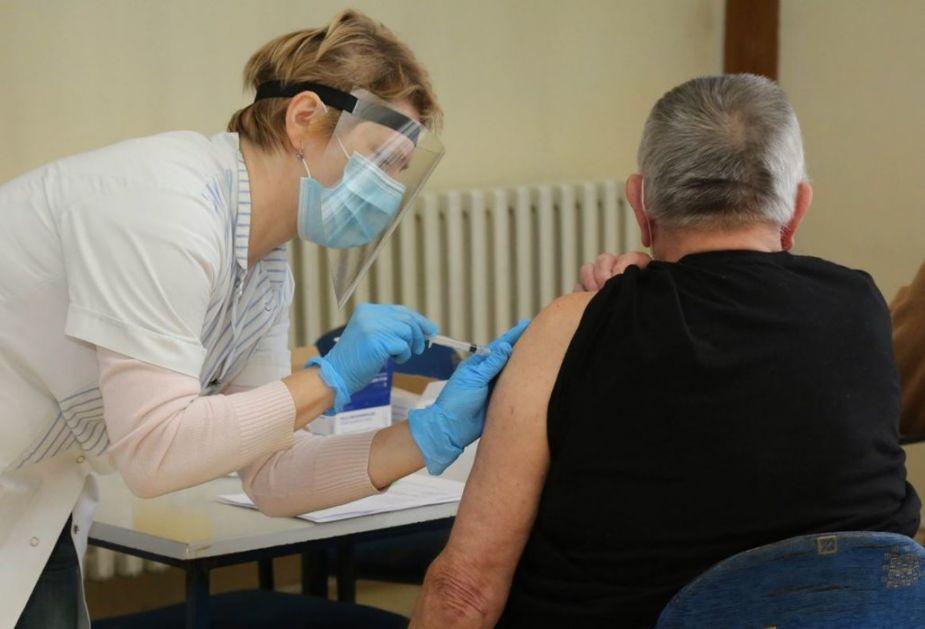 Veliko interesovanje u Vršcu, do sada 1.300 ljudi primilo vakcinu