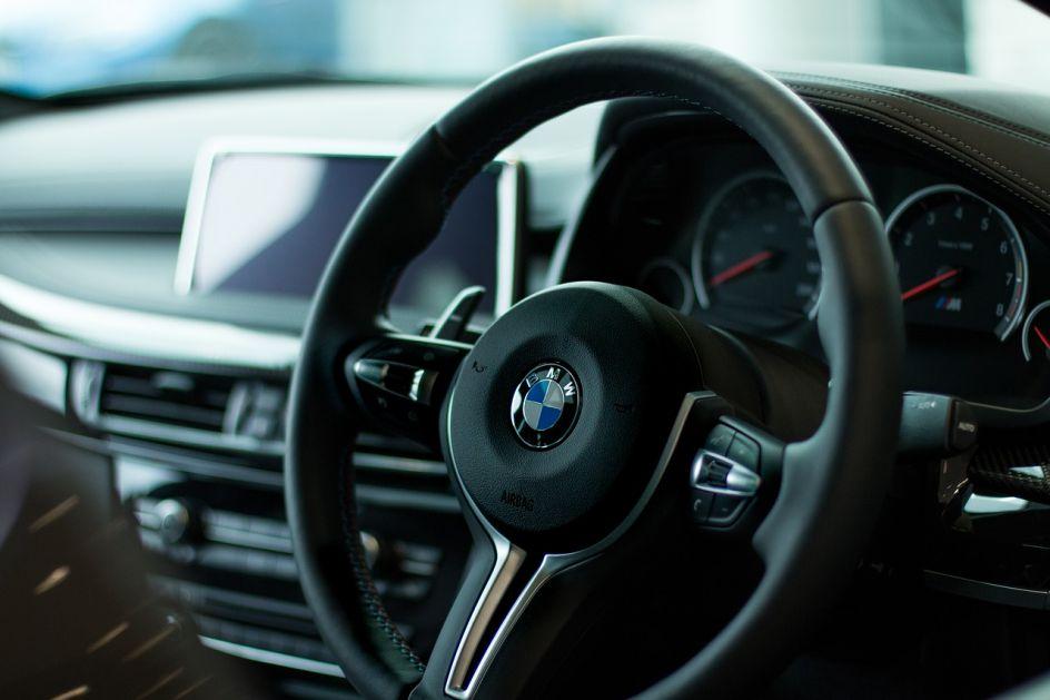 Dobar start BMW-a u 2021, prodaja veća za trećinu